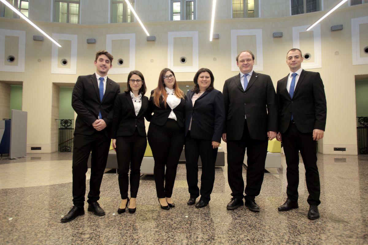CFA verseny győztese a Wave Partners csapata